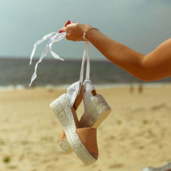 Scarpe e sandaletti on the go, Contigo